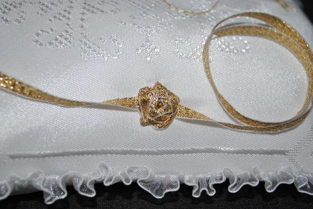 Zsófia esküvői párna szalagrózsával