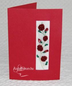 Fűzött szalagrózsákkal hímzett képeslap